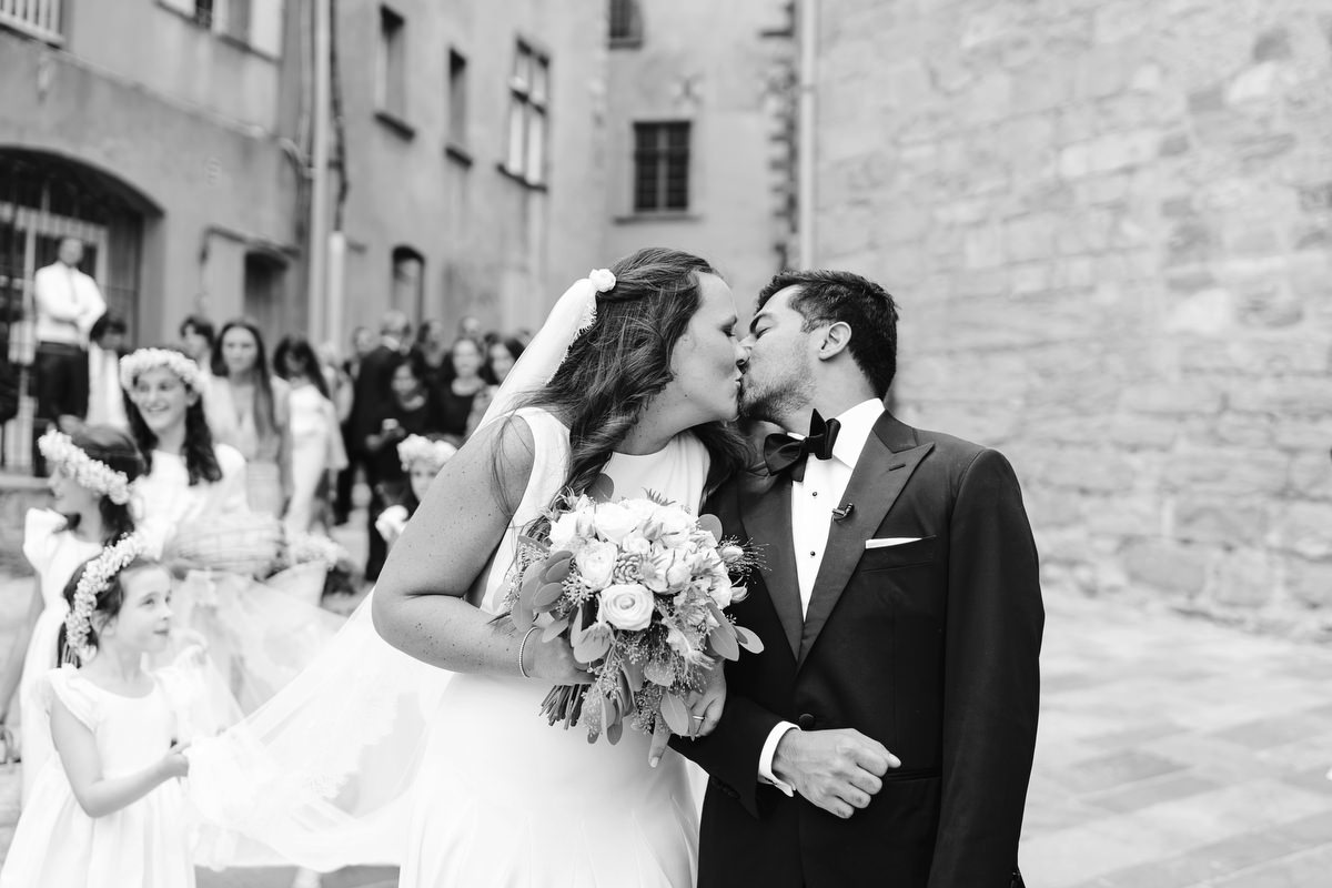 0100 south of france wedding