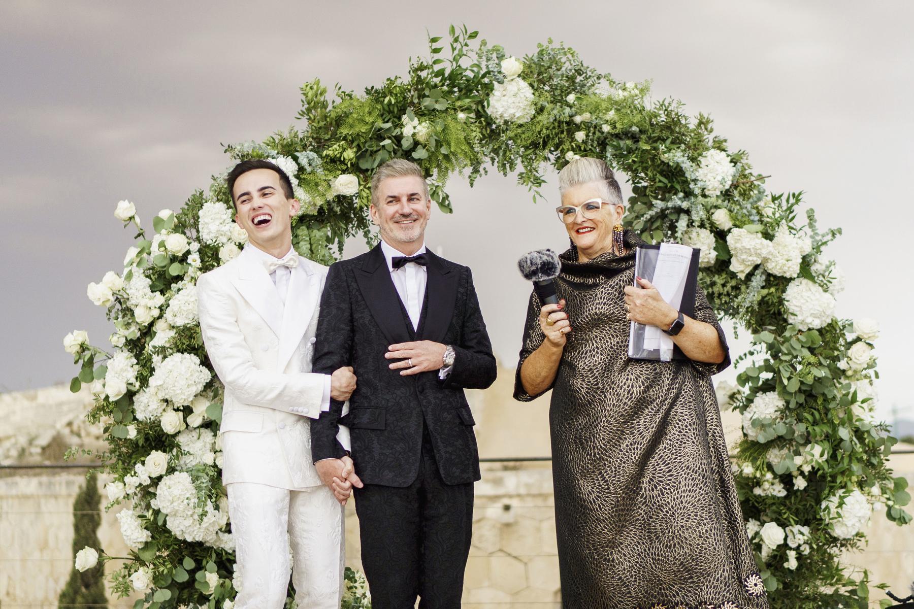 0100 cap rocat wedding