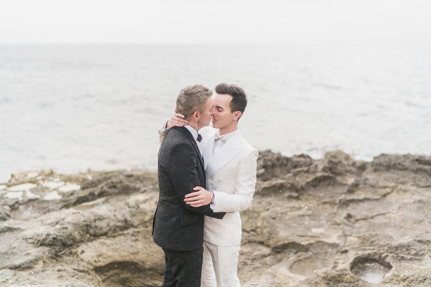 0111 cap rocat wedding