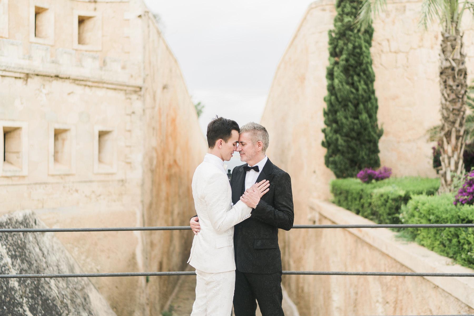 0112 cap rocat wedding